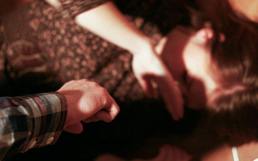 Новые детали в истории избитой девушки: были угрозы и требование молчать
