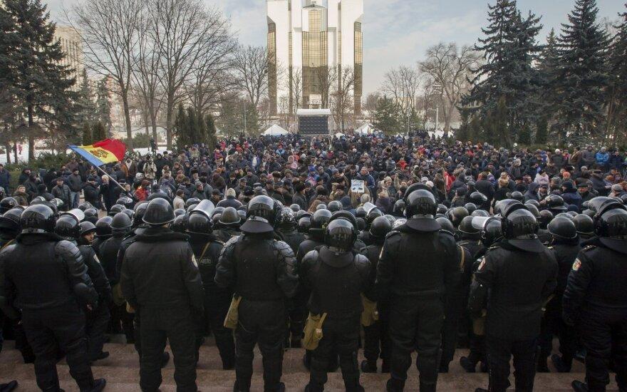 Журналист: оппозиционные силы в Молдове не контролируют толпу протестующих