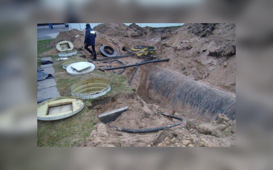 Обыски на АЗС: обнаружена тайная цистерна для горючего
