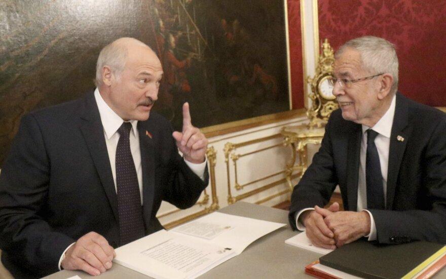 Aleksandras Lukašenka, Alexanderis Van der Bellenas