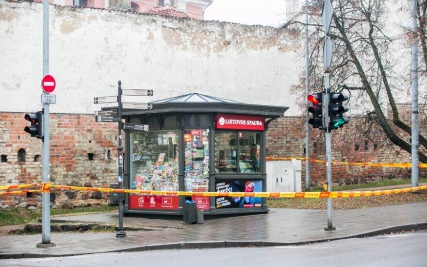 """Przy pomocy """"trytanu"""" grozi wysadzaniem kiosku prasy. Alarm bombowy w Wilnie"""