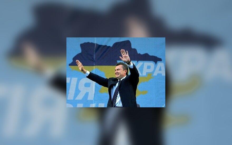 Перед саммитом в Вильнюсе президент Украины едет в Москву