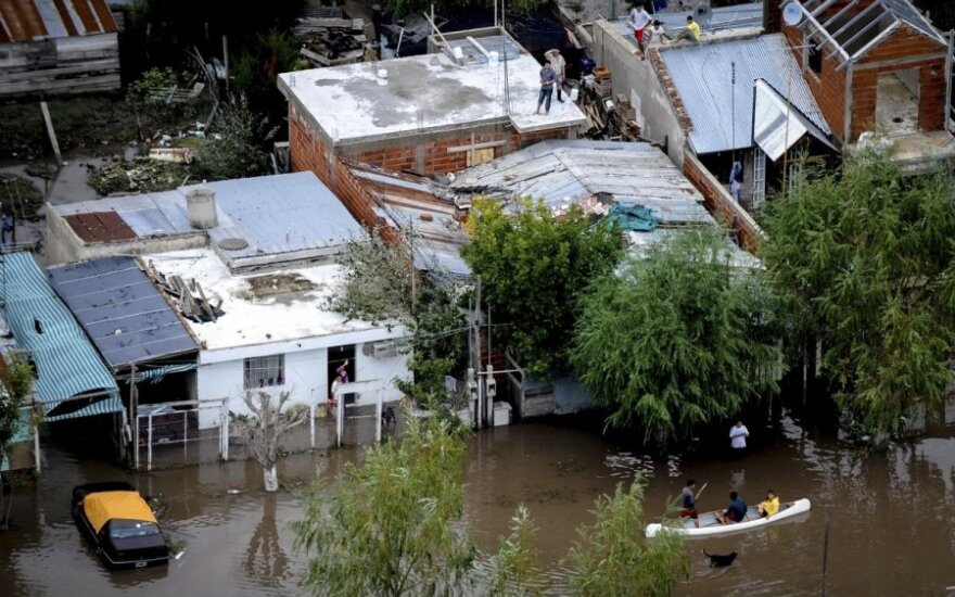 В Аргентине объявлен траур по жертвам наводнения