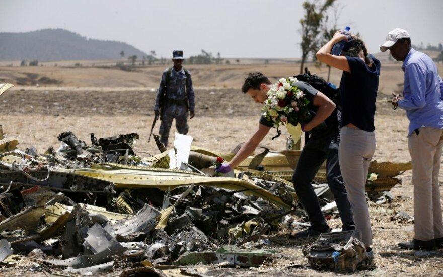 """""""Ethiopian Airlines"""" lėktuvo nuolaužos Etiopijoje"""