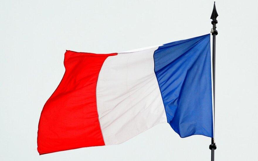 Франция временно вернет пограничный контроль