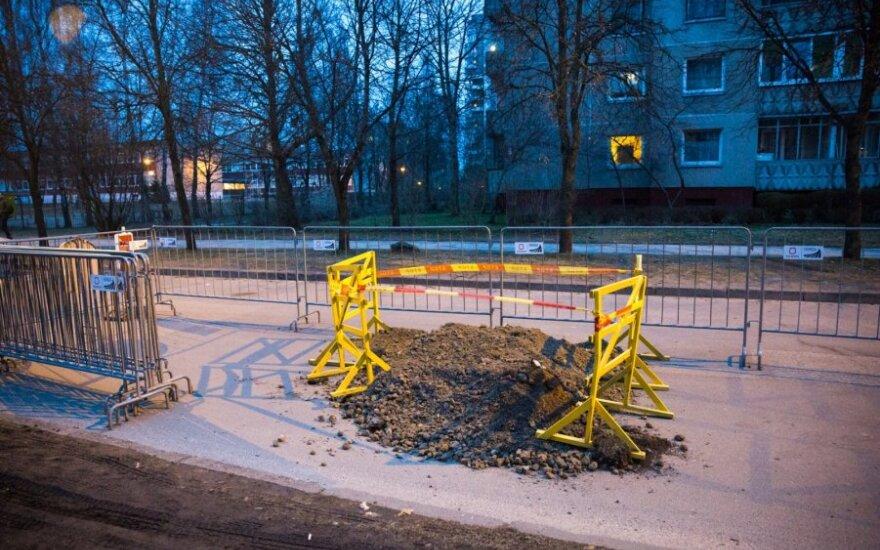 В Вильнюсе на дороге образовался провал, ограничено движение