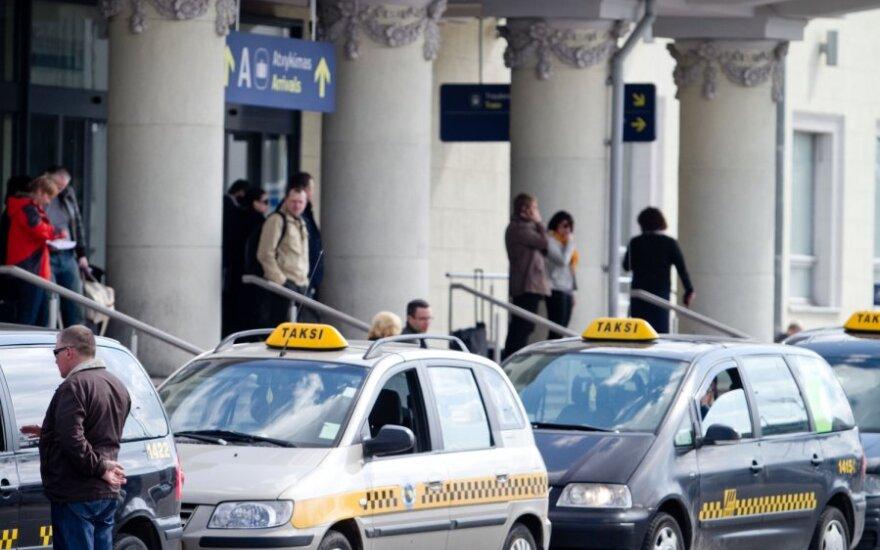 В новогоднюю ночь в Вильнюсе должны дорожать услуги таксистов