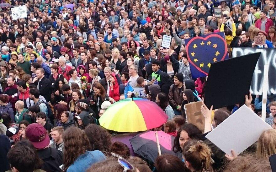 """В Лондоне прошел многотысячный марш против """"брекзита"""""""