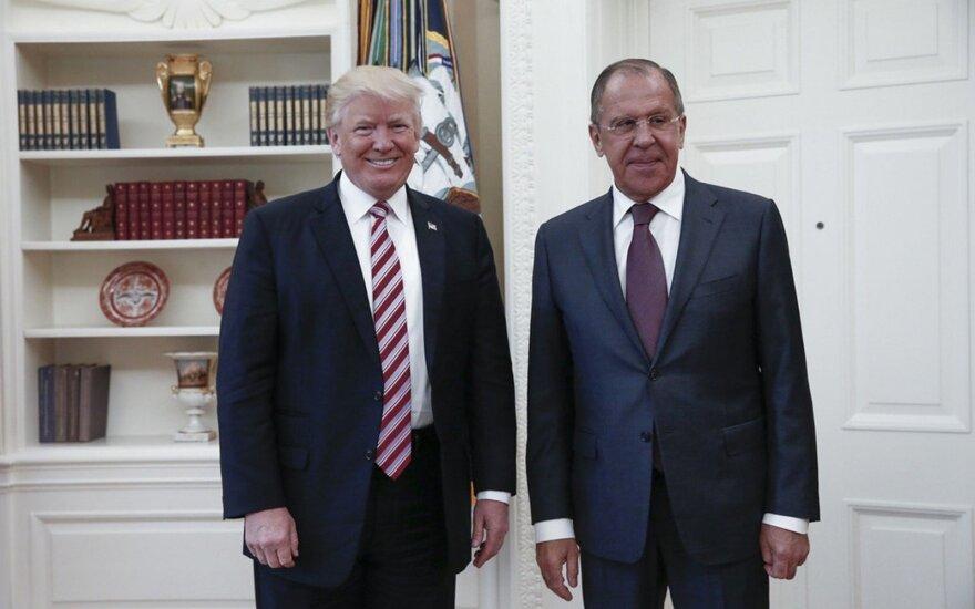 """Трамп заявил об """"абсолютном праве"""" делиться информацией с Россией"""