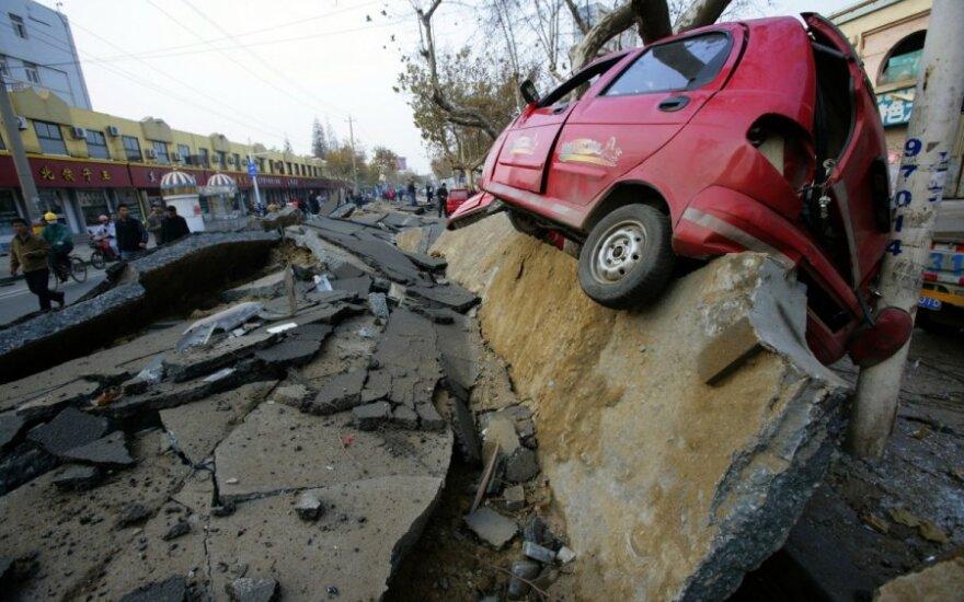 Dlaczego dziwne światła czasami poprzedzają trzęsienie ziemi?