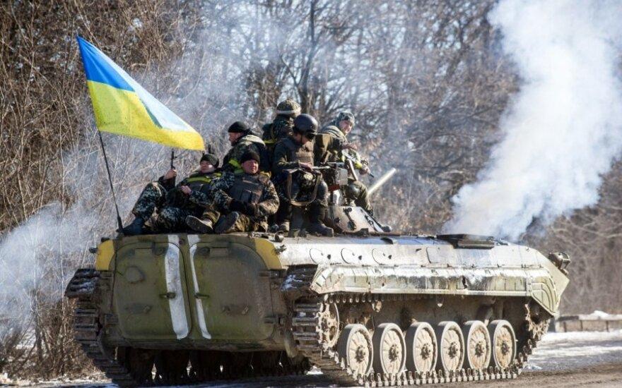 Глава МИД Литвы призывает помочь вооружить Украину