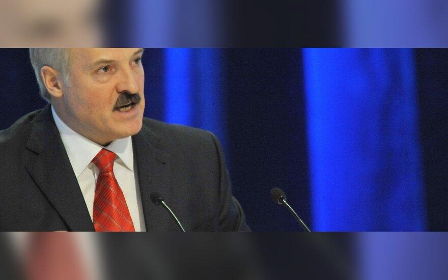 Лукашенко рвется на мероприятия в Киев