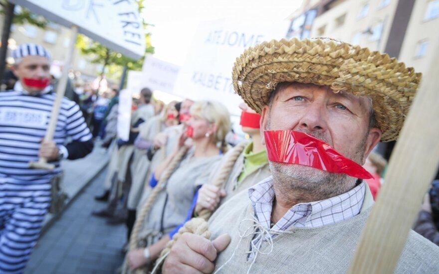 """""""Pracy pańszczyźnianej – nie"""". Protest przeciwko liberalizacji Kodeksu Pracy"""