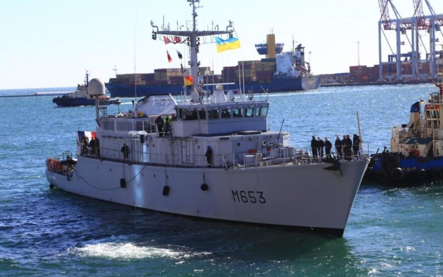 Минный тральщик НАТО в порту Одессы