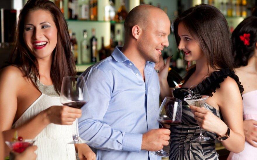 6 признаков того, что вы нравитесь мужчине