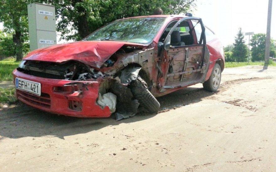 Выехавшая на встречную полосу Mazda столкнулась с фурой