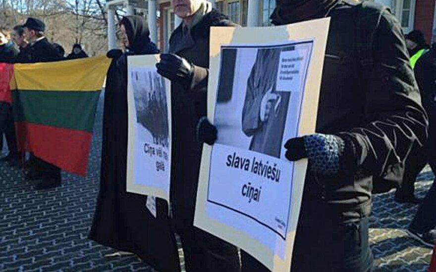 В Риге в шествии легионеров СС участвовали Панка и Чекутис, Палецкис протестовал