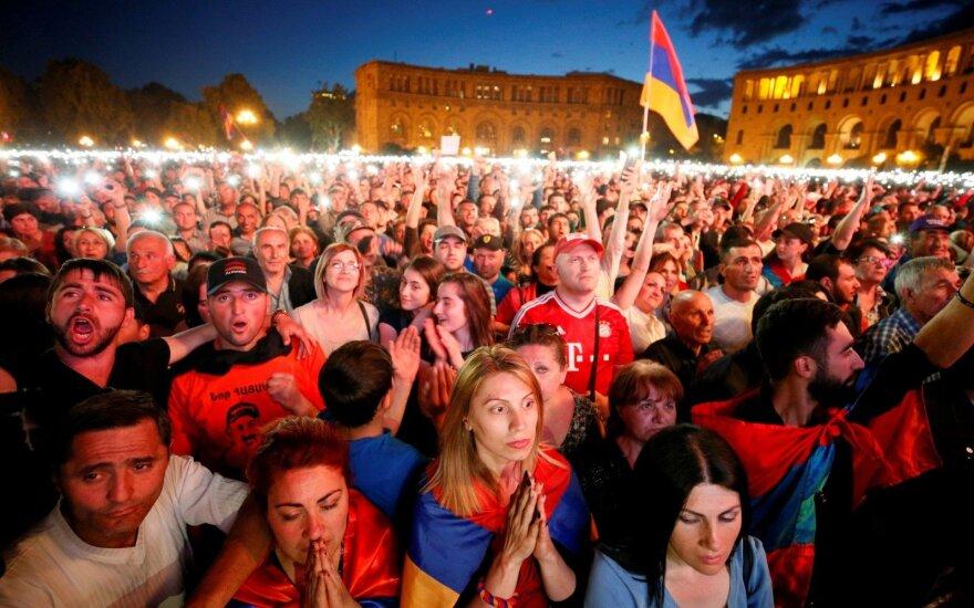 """Экс-премьер Армении: """"Никакого вмешательства Кремля я не вижу"""""""