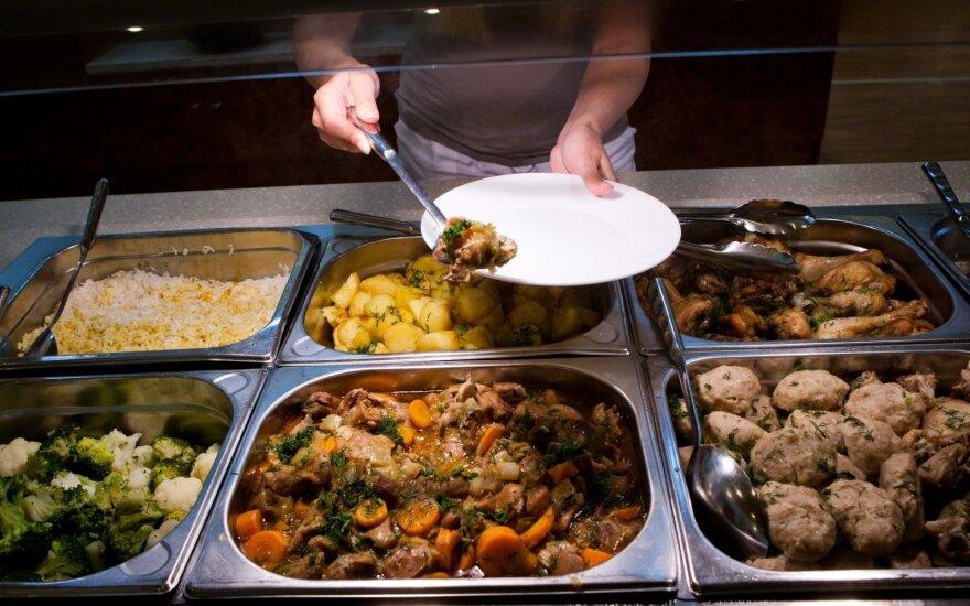 Polacy marnują coraz mniej jedzenia