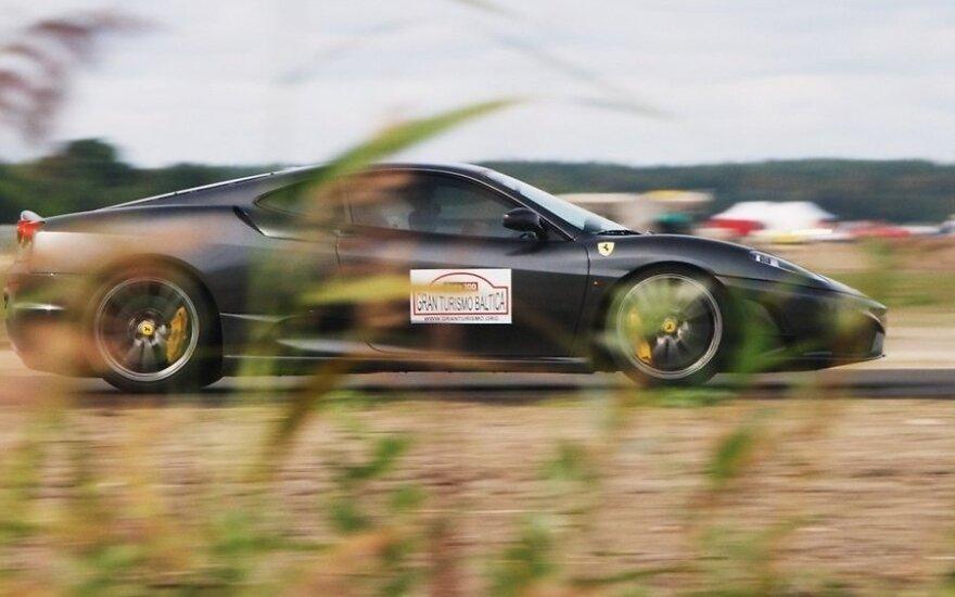 Суперкары со всей Европы встретились на эстонской гоночной трассе