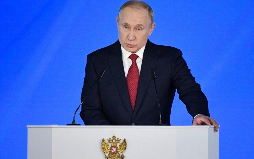 Vladimiras Putinas 16 kartą kreipiasi į parlamentą