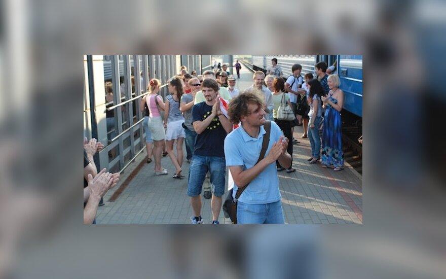 В Вильнюсе поезд на Минск проводили аплодисментами