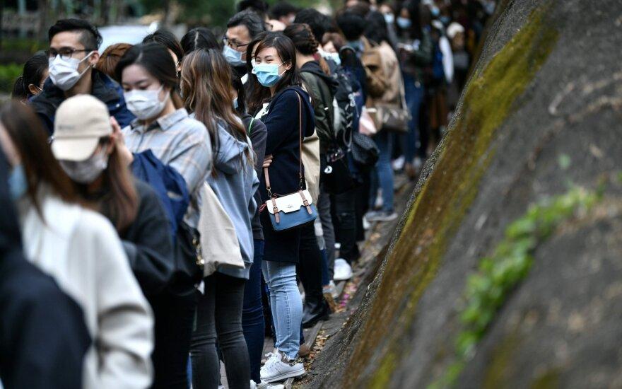 Власти: пик эпидемии коронавируса в Китае миновал