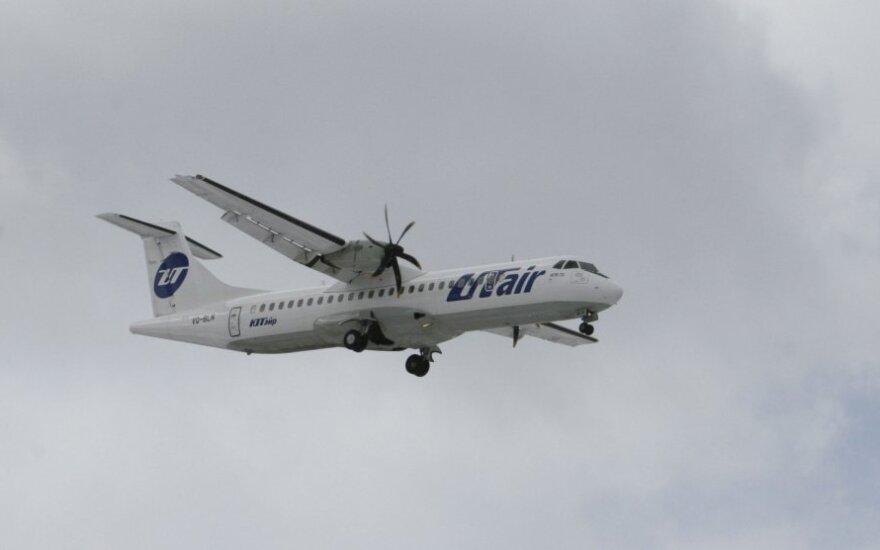 """Oro linijų """"UTair"""" lėktuvas"""