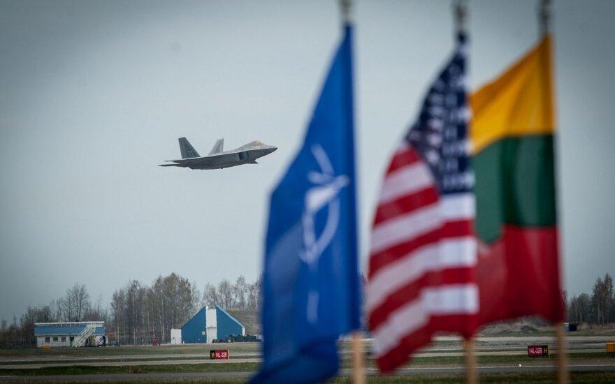 F22 Raptor landing in the Šiauliai air port