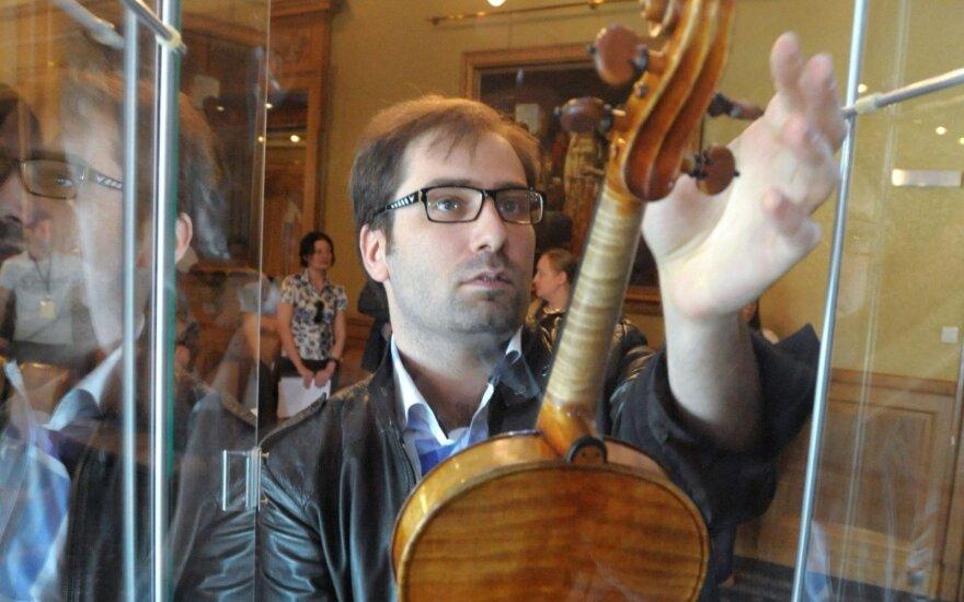На 39-м году жизни умер скрипач Дмитрий Коган