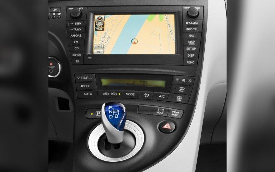 Тест-драйв: Toyota Prius Plug-In
