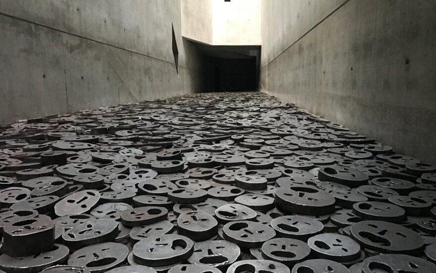 Берлин увеличит выплаты пережившим Холокост
