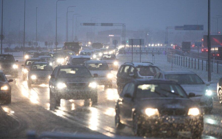В пятницу в Литве на дорогах наблюдается сложная ситуация