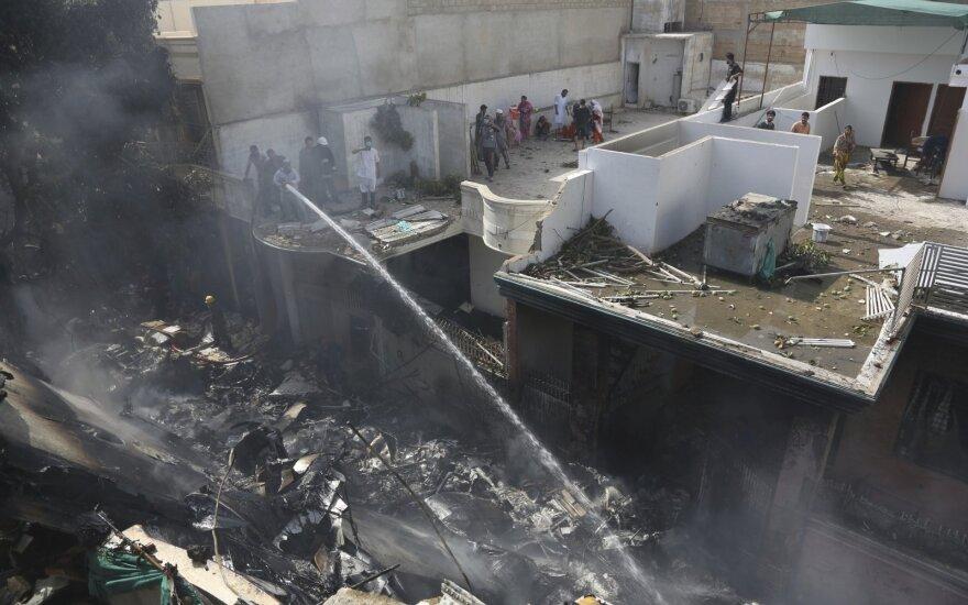 Pakistane sudužo keleivinis lėktuvas