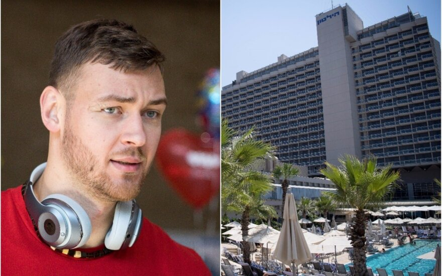 Donatas Motiejūnas ir Lietuvos rinktinės viešbutis Tel Avive (DELFI montažas)