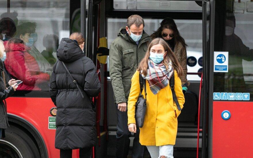 Кладете маску в карман или сумку? Узнав, чем это может закончиться, больше не будете так делать