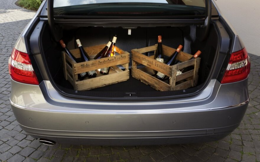 В автомобиле – 160 л нелегального алкоголя