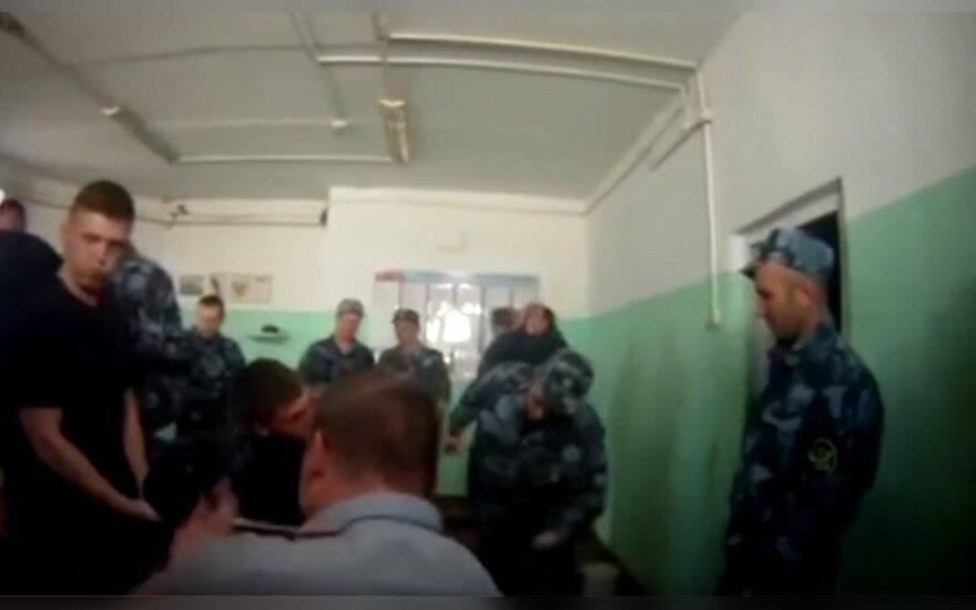 Замглавы российской ФСИН попросил прощения за пытки в ярославской колонии