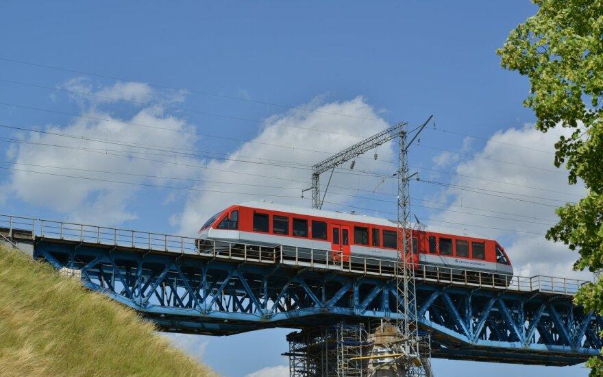 Из-за жары в Литве ограничивается скорость поездов