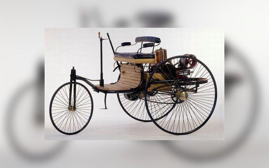 Первому автомобилю с бензиновым двигателем - 127 лет
