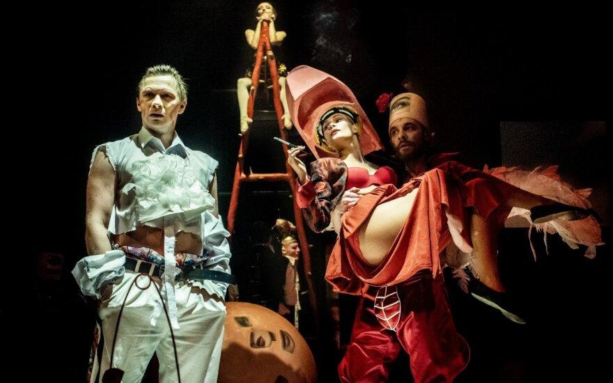 Что Русский драматический театр Литвы показывает в октябре?