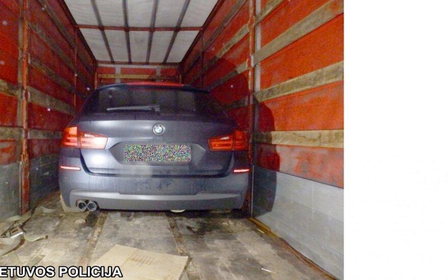 В грузовике предприятия – украденный в Германии BMW