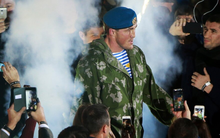 Российский боксер Лебедев после проигранного боя оказался в госпитале