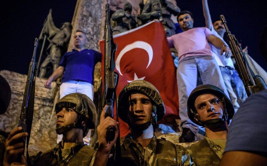 Число жертв растет: при попытке переворота в Турции погибли 265 человек