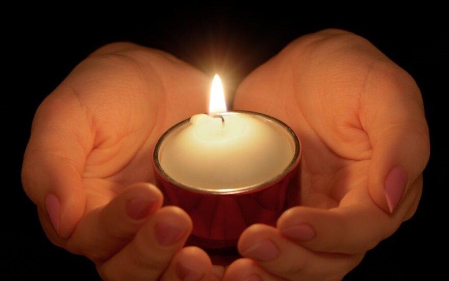Трагедия в Клайпеде: в подъезде покончила с собой девушка