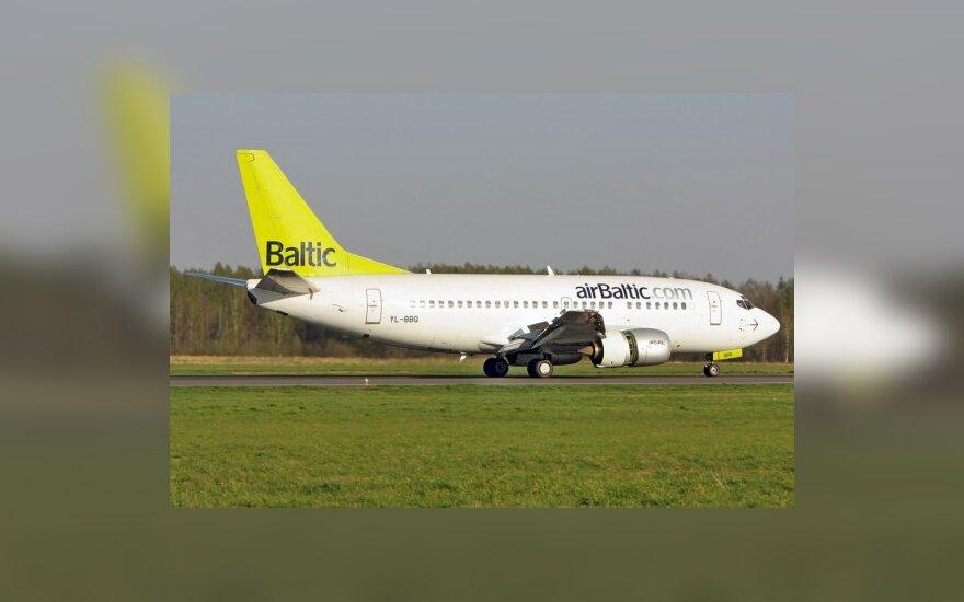 airBaltic чествует первого 4-миллионного пассажира