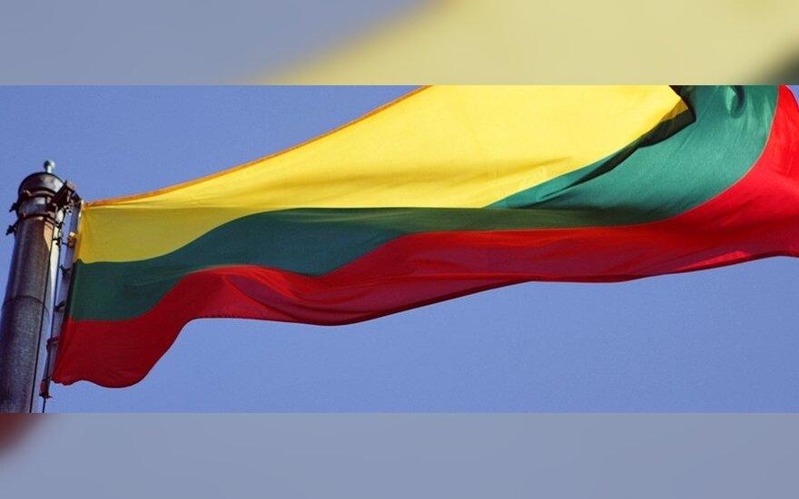 Советник президента: предпочтение экономического благополучия показывает социальные проблемы Литвы