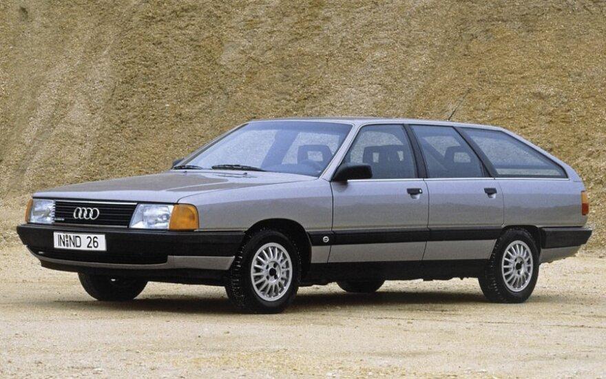 Audi 100 Avant quattro (1984 m.)
