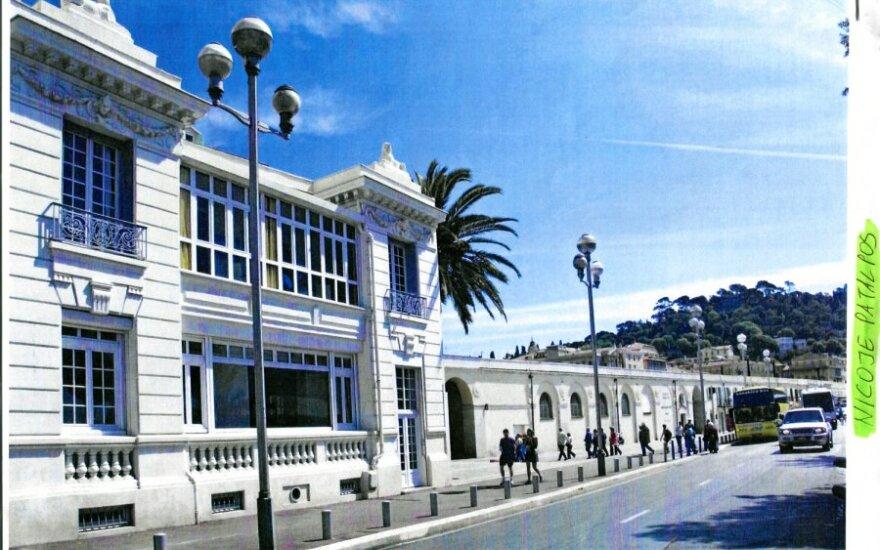 """Nicoje esanti vila pribloškia savo prabanga. Didžiuliai paveikslai, vaizdas į Viduržemio jūrą, prabangūs baldai – tik dalis to, kam buvo išleisti """"Snoro"""" indėlininkų ir investuotojų pinigai."""