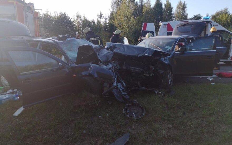 Авария в Укмергском районе: столкнулись три автомобиля, пострадали 9 человек, перекрыта дорога